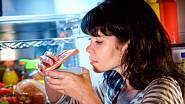 Hledání původu zápachu v chladničce je někdy téměř detektivní práce.