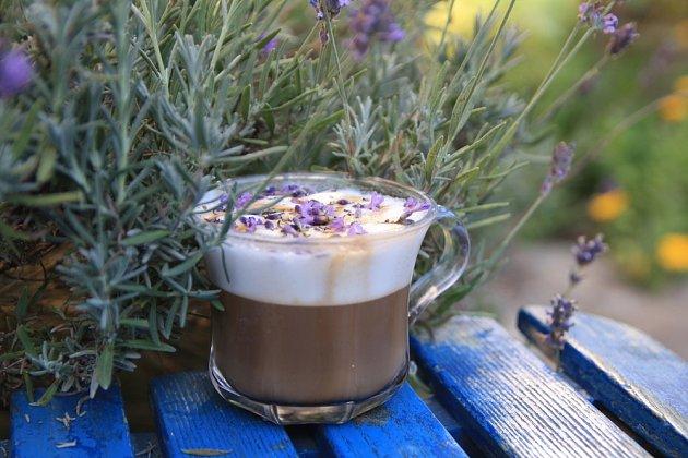 levandulová káva