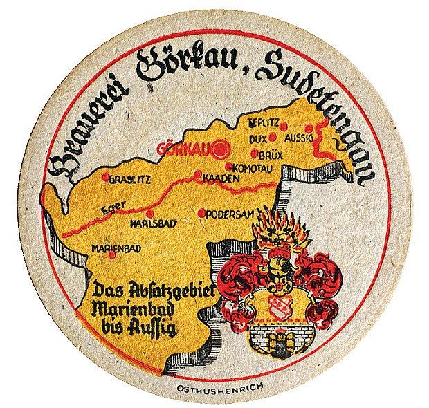 Na tácku lze vidět mapu významných pivovarů někdejší Sudetské župy