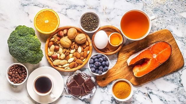 Zdravá a vyvážená strava s nižším obsahem nasycených tuků hraje zásadní roli v prevenci mnoha stavů