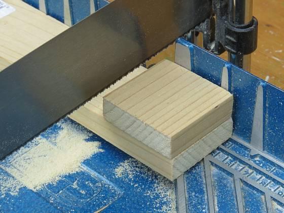 Nařežeme 7 čtverců