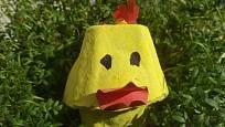 Kuřátko v zeleném osení