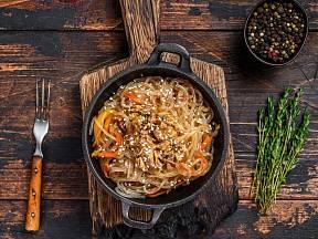 Nudle jsou jedním z nejzákladnějších ingrediencí čínské kuchyně.
