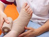 Při syndromu diabetické nohy vznikají nebezpečné bolestivé a nehojící se vředy.