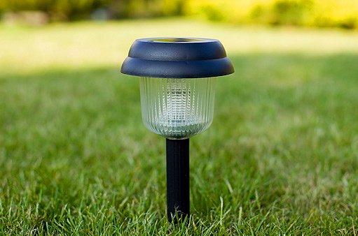 solární lampa ve stínu