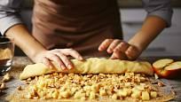 Závin v tenkém taženém těstě je delikatesa