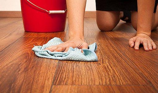 laminátová plavoucí podlaha může mít voděodolnou vrchní desku