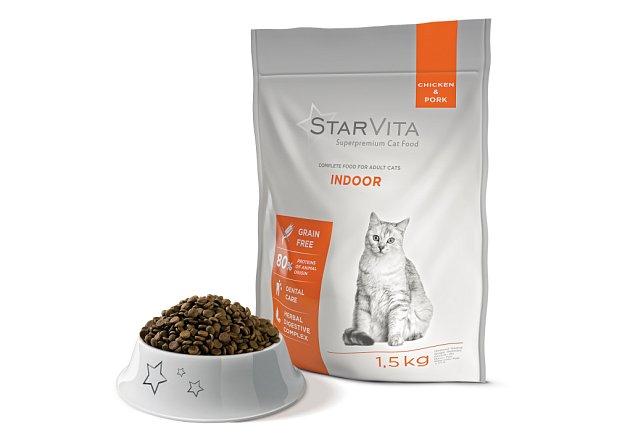 Holistické krmivo Starvita Indoor je šité na míru bytovým kočkám. Koupit ho můžete v síti prodejen Mountfield.
