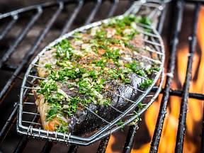 Bylinky obohatí chuť i zdraví prospěšné účinky ryby