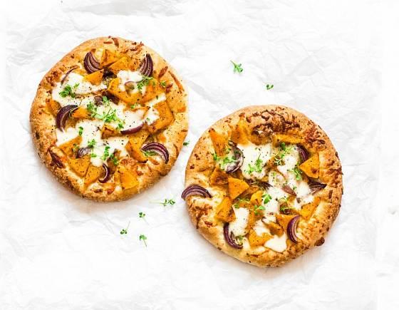 Slané dýňové koláčky můžete připravit stejně, jako velkou pizzu