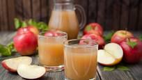 Domácí jablečný mošt je nejlepší čerstvý.