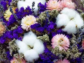 Dobře usušené květy si zachovají barvu i tvar