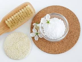 Epsomskou sůl můžeme přidat do šamponu.