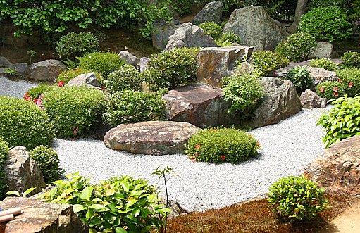 přírodní kameny