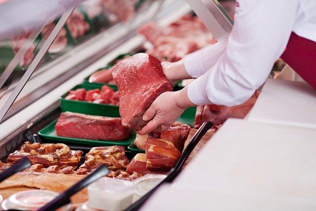 Před nákupem si nechejte maso ukázat mimo vystavenou mrazicí plochu.