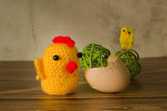 Z příze můžeme vyrobit i kuřátko.
