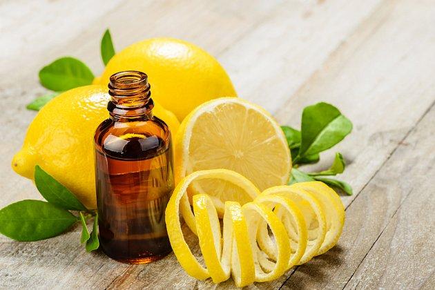 Z citronové kůry můžeme připravit i tinkturu.