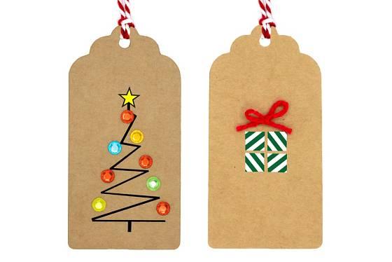 Jmenovky z kartonu přizdobíme vánočními motivy.