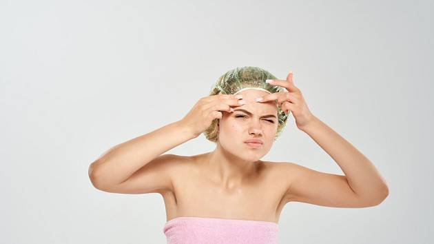 Černé tečky na obličeji trápí nejen teenagery.