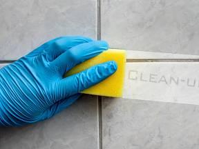 Kdo by netoužil po koupelně zářící čistotou?