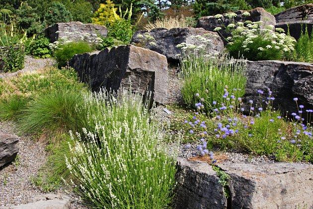 Náročnější varianta s velkými kameny