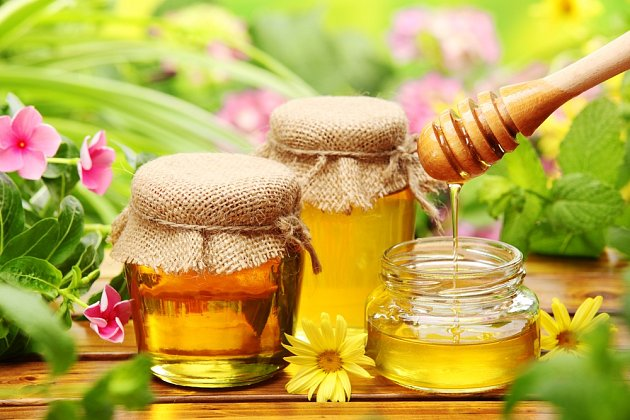 Světlý květový med je snáze stravitelný.