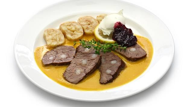 Svíčková na smetaně je jedno z českých národních jídel