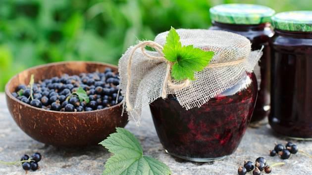 Tradiční ruské varenie se velmi podobá pečenému čaji.