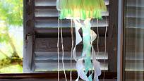 Papírová medúza jako originální lampa a dekorace