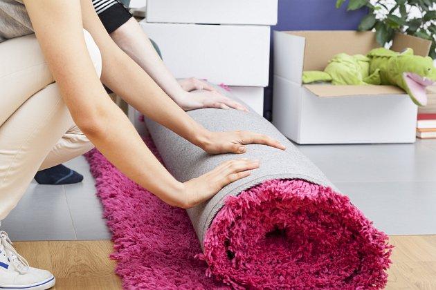 Někdy se vyplatí uklidit i koberec.