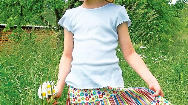 Radost šitá na míru  letní šaty pro malé slečny - Na návštěvě 3650ec86bb