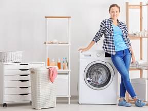 Vyčistěte pračku přírodními prostředky. Bude v dobré kondici a předejdete tak opravám.