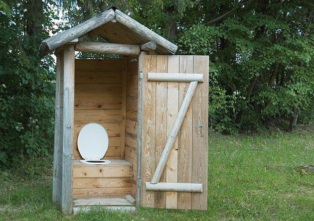 Suchý záchod není jediné řešení pro chatu bez napojení na kanalizaci