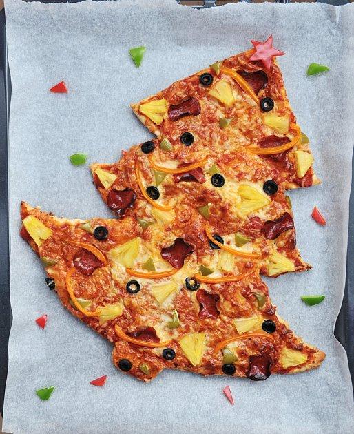 pizza ve tvaru vánočního stromku
