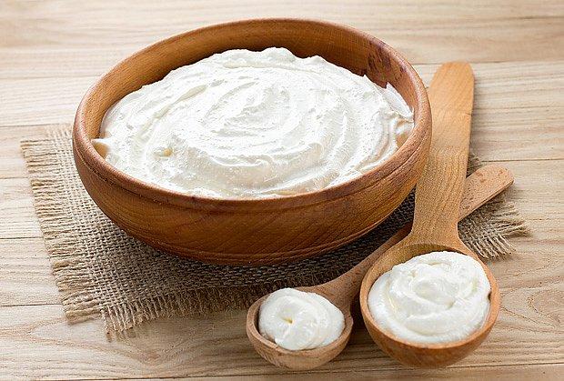 I psům propsívá bílý jogurt, zvláště po léčbě antibiotiky