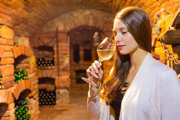 Označení pozdní sběr ještě nemusí znamenat sladké víno. Tzv. přívlastky označují množství zbytkového cukru.