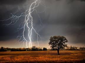 Bouřka bývá nebezpečná