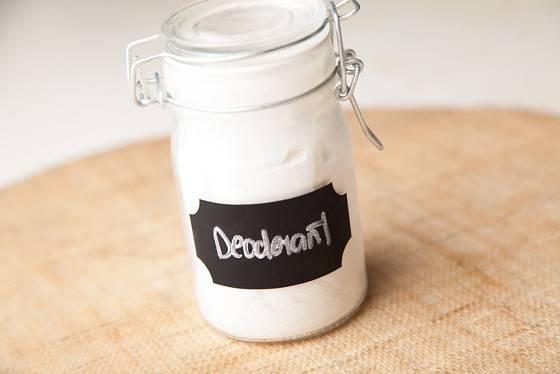 Deodorant se skladujte v kelímku nebo ve skleničce