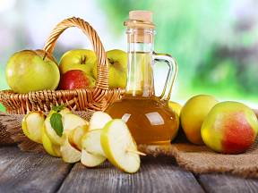 Jablečný ocet pomůže našemu tělu, naši domácnosti a domácím mazlíčkům