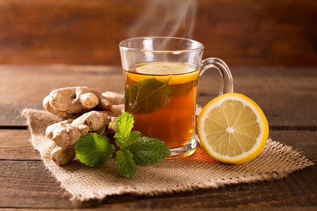 Zázvorový čaj s citronem a mátou