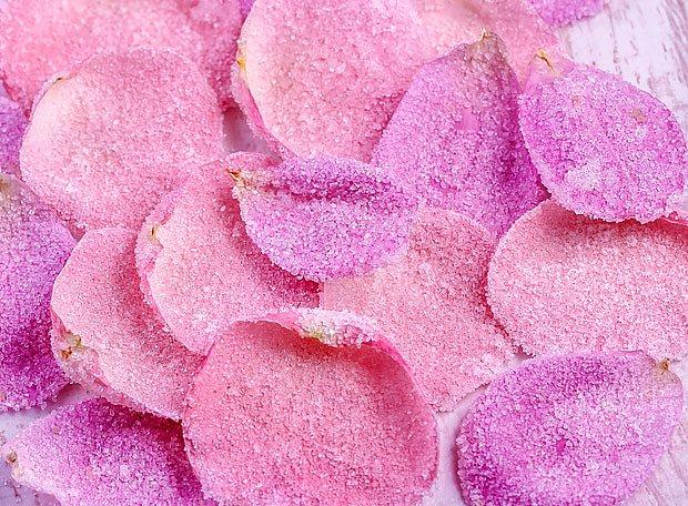 Kandované růžové okvětní látky