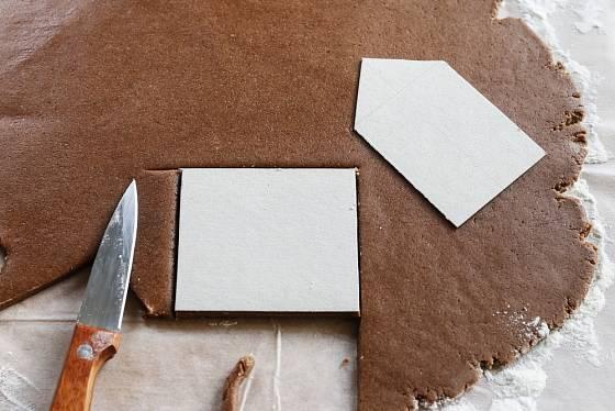 Pro šablony zvolte tvrdý papír.