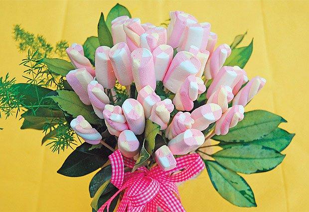 kytice z lízátek