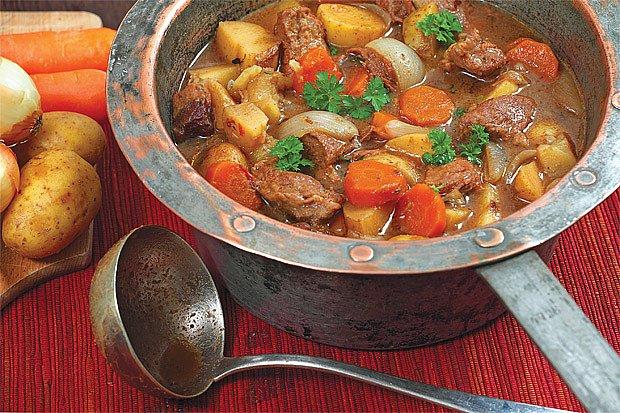 polévka z hovězího masa