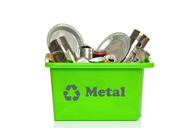 Obecně platí, že jakýkoli kovový odpad – s výjimkou autovraků – je možné zdarma odevzdávat
