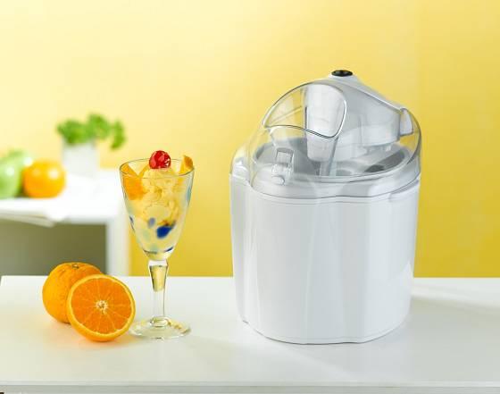 U levnějších zmrzlinovačů musíme mnoho hodin předem umístit nádobu do mrazáku.