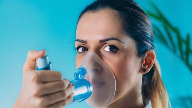 Vdechování i velmi mírných koncentrací plísní může ovlivnit osoby na ně citlivé, především děti, seniory, alergiky a astmatiky.