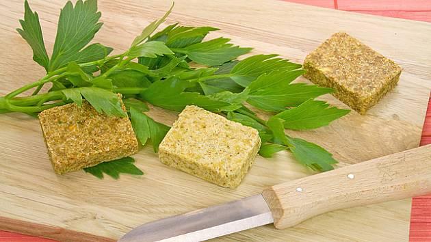Silně aromatické listy libečku se hodí do mnoha pokrmů