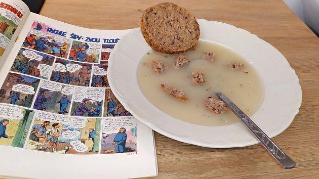 Chlebovou polívku nechvalně proslavily Rychlé šípy.