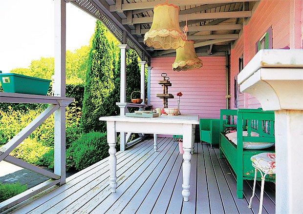 Tradiční a romantické posezeni jako součást verandy